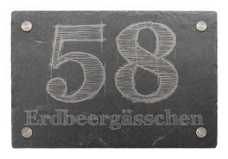 Hausnummer aus Schiefer mit Wunschtext 30 x 20 cm - Design Drawn Letter