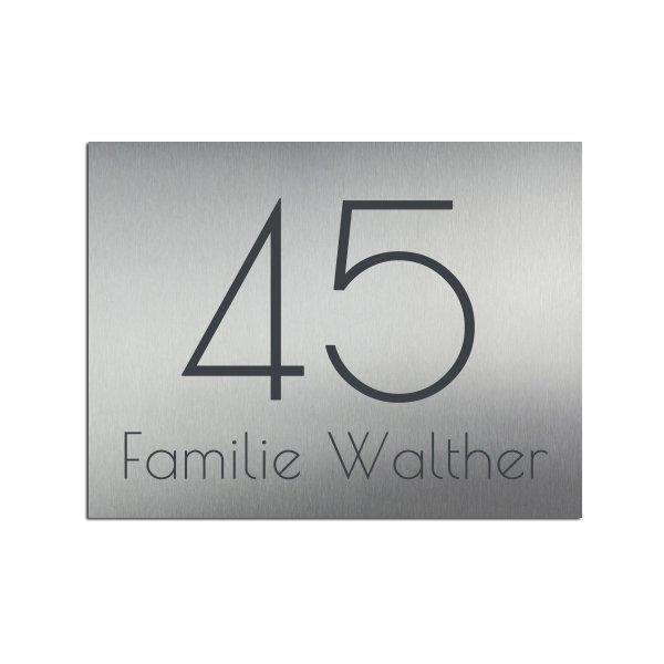Hausnummernschild mit Familienname - viele Schriften und Farben